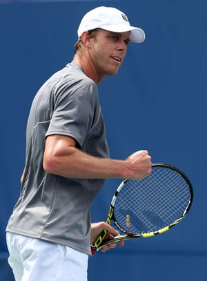 Sam Querrey hits 19 aces to reach Winston-Salem Open quarters