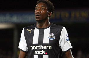 Newcastle call in police over Ameobi racist abuse