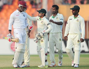 2nd Test: Samuels in command against Bangladesh