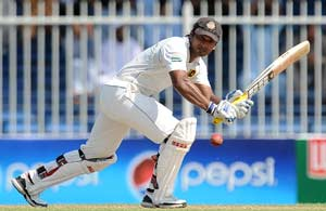 3rd Test: Sri Lanka post healthy total of 413