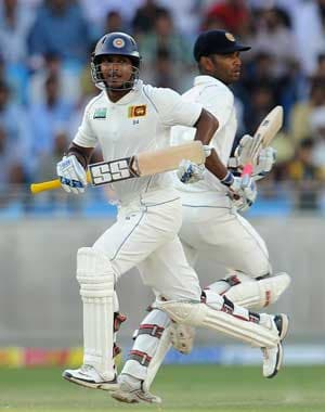 2nd Test: Sri Lanka survive a testing day