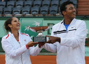 Sania Mirza, Mahesh Bhupathi win French Open mixed doubles title