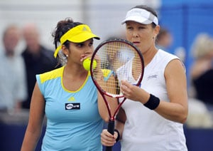 Sania Mirza, Liezel Huber shocked in quarters of Aegon International
