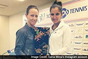 Sania Mirza-Cara Black lift Pan Pacific Open crown