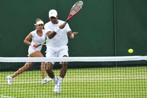 Sania-Bhupathi out of Wimbledon
