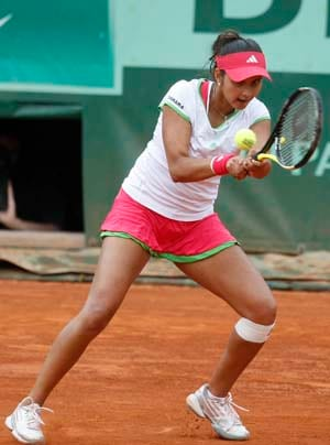 Sania Mirza donates autographed racquet for PETA auction