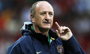 Scolari begins repair job with stuttering Brazil