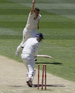 Sehwag involved in an altercation with Siddle, Pattinson