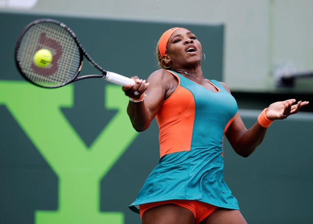 Miami WTA: Serena Williams breezes into quarters, Maria Sharapova battles on
