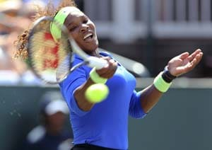 Top-ranked Serena Williams wins WTA clay opener