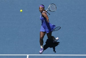 Serena Williams makes speedy start to title defence at WTA Championships