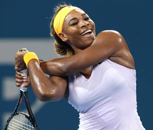 Serena Williams beats Maria Sharapova in Brisbane semifinals