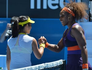 Serena Williams cruises into Australian Open fourth round