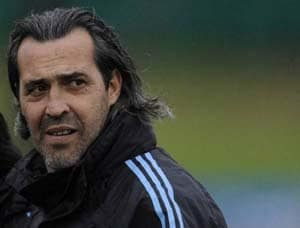Former Argentina coach flies in for Shanghai Shenhua