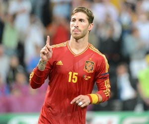 Euro 2012 Final: Sergio Ramos concerned by tactical chameleons Italy