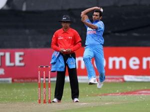 Live cricket score: Mohammed Shami