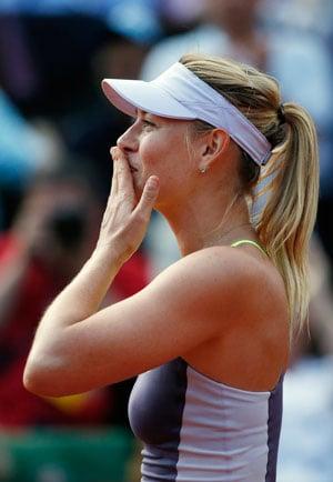 French Open 2013: Maria Sharapova beats Victoria Azarenka to make final