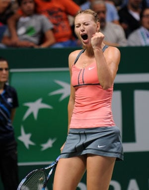 Sharapova beats Azarenka to set up title clash vs Serena