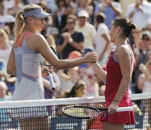 Pennetta knocks Sharapova out