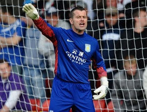 Euro 2012: Knee injury scare for Ireland's Shay Given