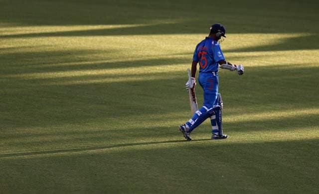 MS Dhoni, Suresh Raina heroics in vain as India lose 2nd ODI vs New Zealand
