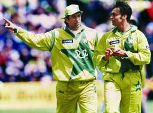 Shoaib always was and still is a problem: Akram