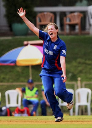 Shrubsole's fifer helps England thrash South Africa by 7 wickets