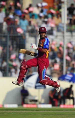 Simmons' charge clobbers Bangladesh