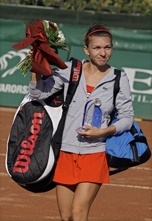 Simona Halep claims third title in a month
