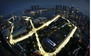 Red Bull, Lotus aim to renew F1 title challenge