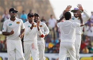 Sri Lanka close in on big win over Pakistan