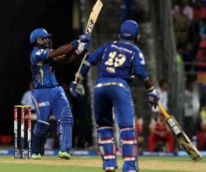 IPL 2013: Dwayne Smith hopes win over Bangalore will make Mumbai more consistent