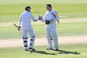 South Africa take aim at England's perch