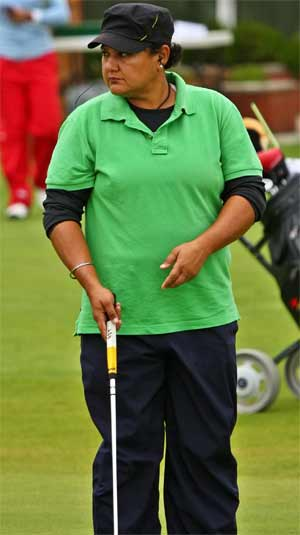 Smriti Mehra leads after second round of Women's Professional Golf Tour 2014