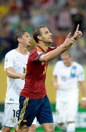 Roberto Soldado says Spain must find goal-den touch