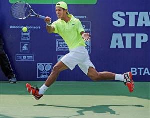 Somdev Devvarman ousts Spain's Adrian Menendez-Maceiras in Kolkata ATP Challenger