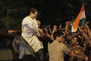 Sonia Gandhi joins celebrations on streets