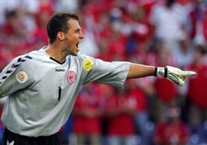 Injured Danish goalie Sorensen misses Euro 2012