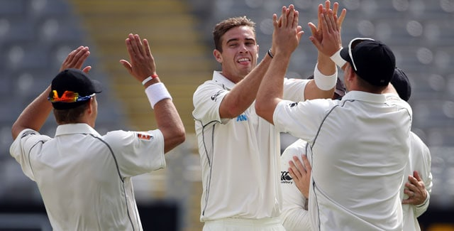 Live cricket score: Tim Southee