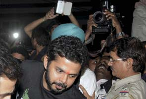 I have always worn towels while bowling: Sreesanth after leaving Tihar