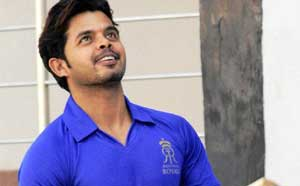 Sreesanth bowls at 'Team India' nets