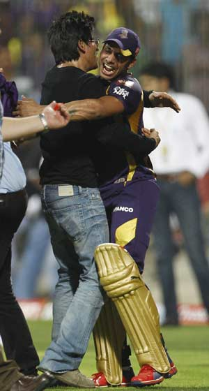Kolkata Knight Riders party till wee hours after IPL win