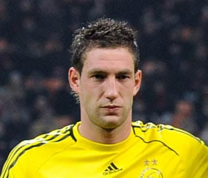Stekelenburg out for two months