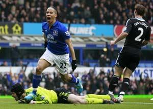Everton bring Chelsea down 2-0