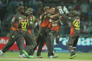 IPL 2013: Sunrisers Hyderabad beat Kolkata to reach playoffs, Bangalore knocked out