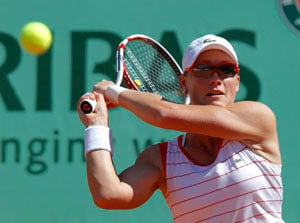 Dulko stuns Stosur at French Open