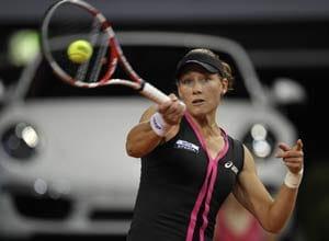 Stosur breezes into Stuttgart's second round