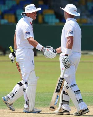 Strauss, Trott hit tons in Sri Lanka tour match