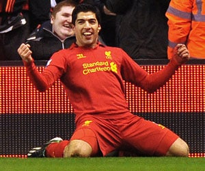 Luis Suarez leads scoring charts in Premier League
