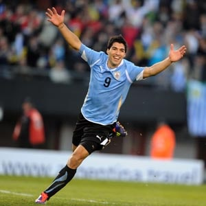 Luis Suarez at the double as Uruguay down Peru